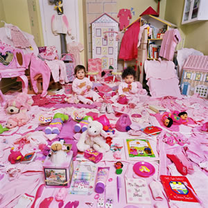 The Pink Project - Lauren & Carolyn and Their Pink Things